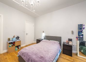 Thumbnail Studio to rent in Woodchurch Road, South Hampstead, London