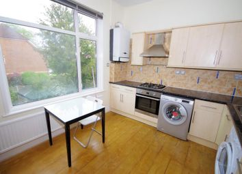 Thumbnail 3 bedroom flat to rent in Princes Ave, Finchley
