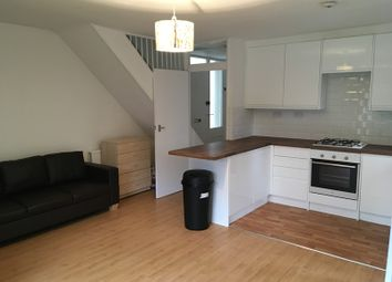 Thumbnail 5 bed flat to rent in Victoria Rise, Clapham