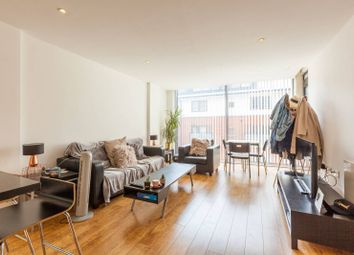 Thumbnail Flat to rent in Waterson Street, Shoreditch, London