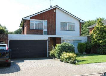 4 bed detached house to rent in Greenacres Drive, Stanmore, Middlesex HA7