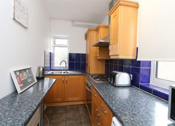 Thumbnail 2 bed flat to rent in Hayes Road, Bromley