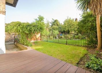 2 bed maisonette to rent in Stock Orchard Crescent, Islington, London N7