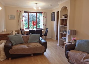 Thumbnail 2 bed flat to rent in Cross Road, Wimbledon