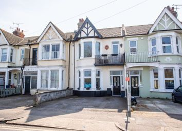 Thumbnail 2 bed flat for sale in Shaftesbury Avenue, Southend-On-Sea