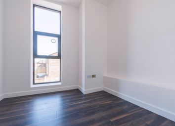 Thumbnail 1 bed flat to rent in Northend Road, Fulham