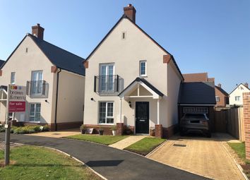 Thumbnail 3 bedroom detached house for sale in Charlotte Close, Berkhamsted