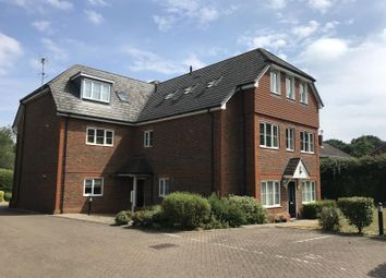 1 bed flat to rent in Brewer Road, Crawley RH10