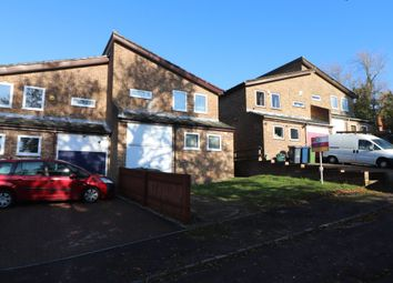 3 bed property to rent in Elora Road, High Wycombe HP13
