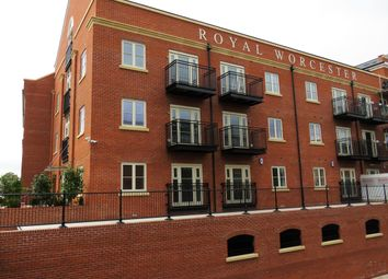 Thumbnail 2 bedroom flat to rent in Mill Street, Worcester