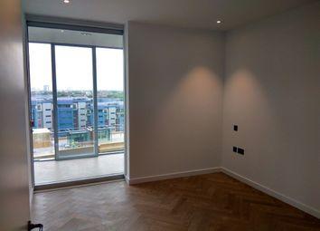 Thumbnail Studio to rent in Kirtling Street, London