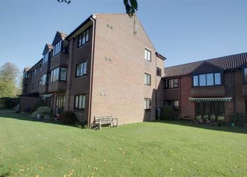 Thumbnail 2 bed flat for sale in Broadwater, Berkhamsted, Hertfordshire