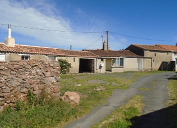 Thumbnail Country house for sale in Argentonnay, Poitou-Charentes, 79150, France