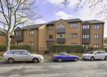 Thumbnail 1 bed flat to rent in Chatsworth Court, St Albans, Herts
