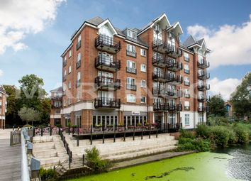 Thumbnail 3 bedroom flat for sale in High Street, Brentford