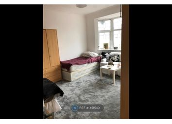 Thumbnail Room to rent in Gunnersbury Lane, London