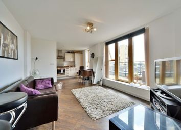 Thumbnail 1 bed flat to rent in Penthouse Flat - Glengall Road, Queens Park, London