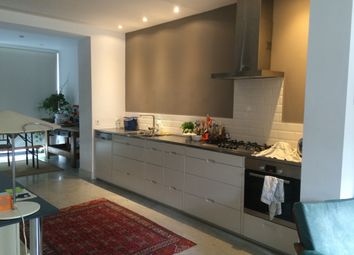 Thumbnail 2 bed flat to rent in Greenwood Road, London, Greater London