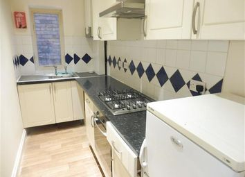 2 bed flat to rent in Cecil Road, Boscombe, Bournemouth BH5