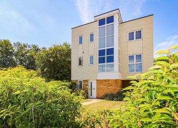 Campion Close, Ashford TN25. 3 bed detached house for sale