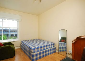 Thumbnail 5 bed flat to rent in Union Road, Clapham North