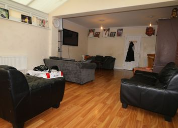 4 bed terraced house to rent in Venette Close, Rainham, Essex RM13