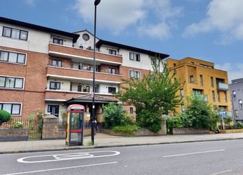 Thumbnail 4 bed flat to rent in New North Road, London