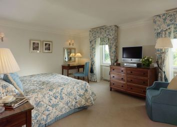 Thumbnail 2 bed duplex to rent in Hyde Park Gate, London