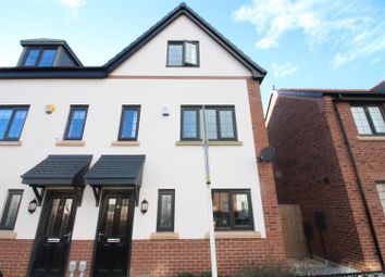 Thumbnail 3 bed property for sale in Coppice View, Hull