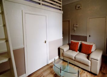 Thumbnail 1 bedroom property to rent in Flat 3, 63 Brudenell Road, Hyde Park