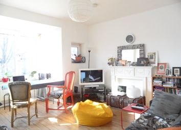 Thumbnail 3 bedroom flat to rent in Forest Road, London Fields