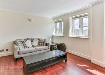 Thumbnail 1 bed flat to rent in Essex Road, Angel, London