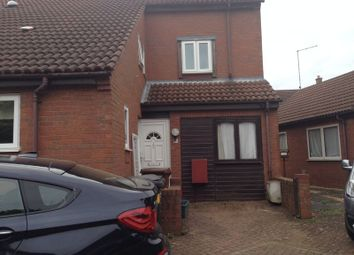 2 bed property to rent in Hunsbury Green, West Hunsbury, Northampton NN4
