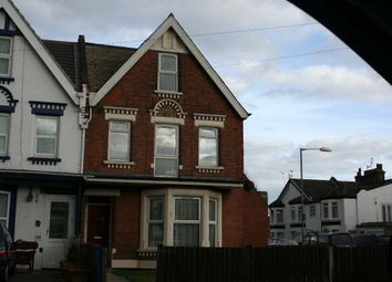 Thumbnail 2 bedroom flat to rent in Wellesley Road, Clacton-On-Sea