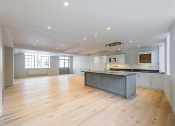 Thumbnail 3 bed flat to rent in Eyre Street Hill, Clerkenwell, London