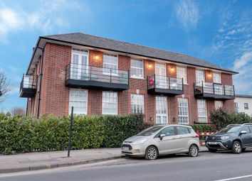 London Road, Leigh-On-Sea SS9. 2 bed flat for sale