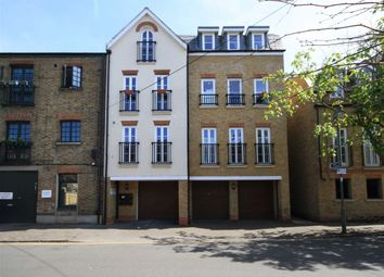 Thumbnail 2 bed flat to rent in Feltham Avenue, East Molesey