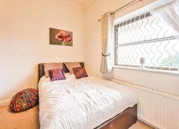 Thumbnail 1 bed flat for sale in Premier Lodge, Redbourne Avenue, Finchley Central, London