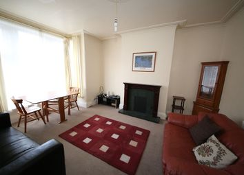 Thumbnail 1 bed flat to rent in Gledhow Wood Avenue, Roundhay, Leeds