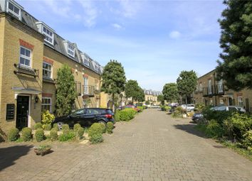 Layton Place, Kew, Surrey TW9. 1 bed flat for sale