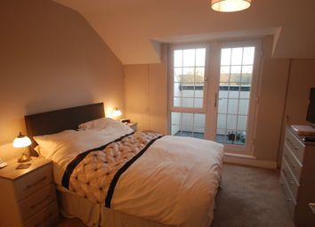 Thumbnail 2 bed flat to rent in French Street, Sunbury-On-Thames