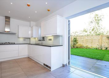Thumbnail 4 bed town house to rent in Grafton Road, New Malden, Surrey