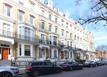 Thumbnail 4 bed flat for sale in Vicarage Gate, Kensington