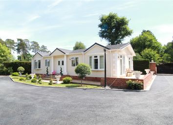 2 bed mobile/park home for sale in Pine Copse Kennels, Wokingham RG40