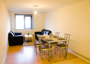 Thumbnail 4 bed flat to rent in Clarendon Road, Leeds