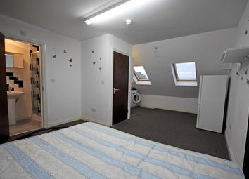 Thumbnail Studio to rent in Kingsley Road, Hounslow