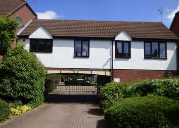 Thumbnail 2 bed property to rent in Lysons Avenue, Linden, Gloucester