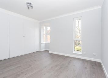 Thumbnail Flat to rent in Turnpike Lane, Sutton