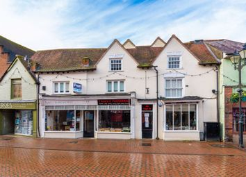 High Street, Chesham HP5. 2 bed flat for sale