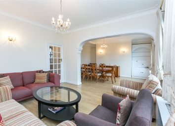 3 bed flat to rent in Wellington Court, 55-67 Wellington Road, London NW8